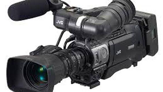 Втора камера JVC GY-HM750E.