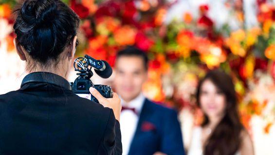 Сватбеното видеозаснемане празнува 10 години.